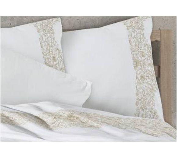 Луксозен спален комплект с бродерия  в екрю - 2